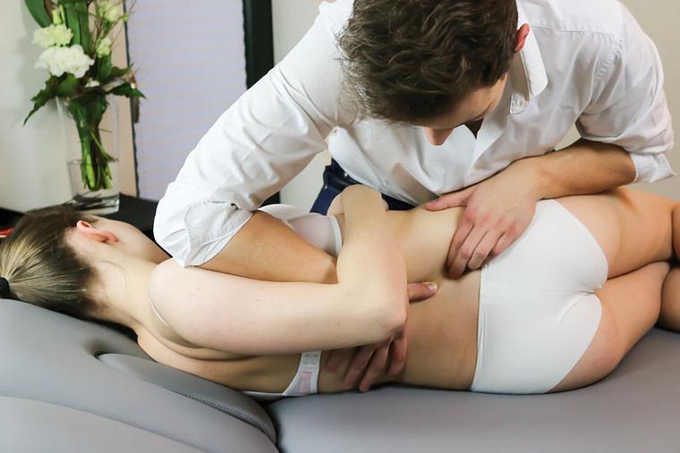 Physiotherapie Lang Rodgau Manuelle Therapie an der Lendenwirbelsäule